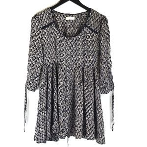 Altar'd State Boho Peasant 3/4 Sleeve Blouse Top